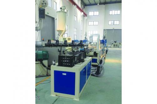 HDPE大口径钢塑复合缠绕管生产线