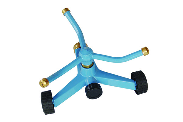 3 Arm Rotating Sprikler With Zinc Base