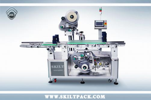 Clamshells top&bottom labeling machine
