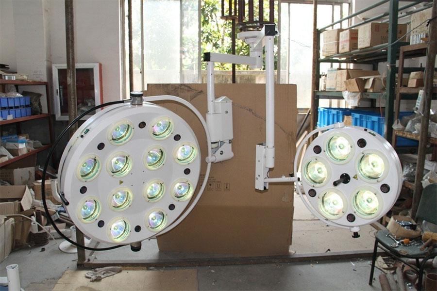 Halogen Surgical Light(120,000+5,000LUX)
