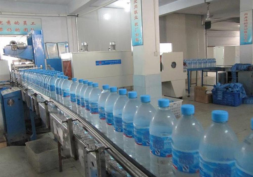 塑料瓶灌装生产线