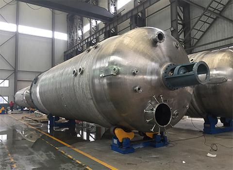 大型发酵设备厂内制造