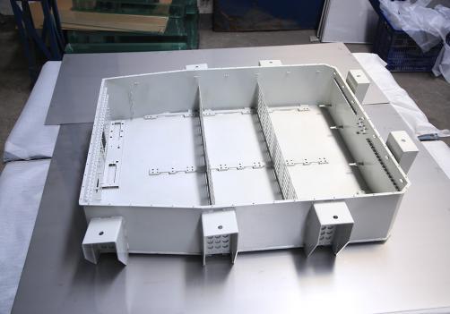 电动汽车电池箱2