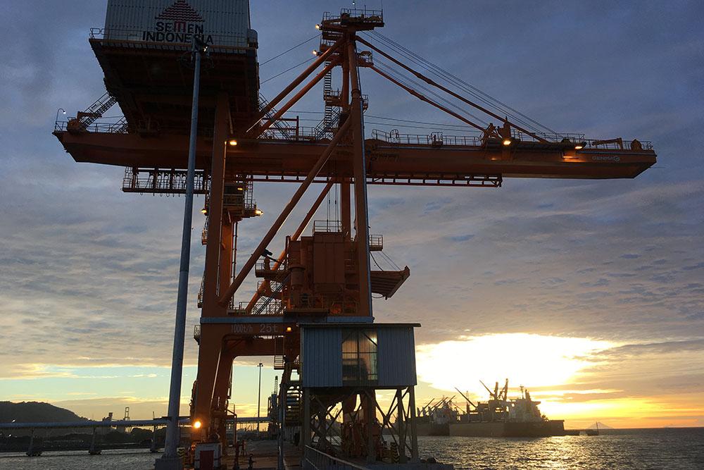 Grab Ship Unloader