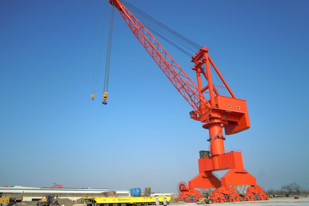 Level Luffing Crane