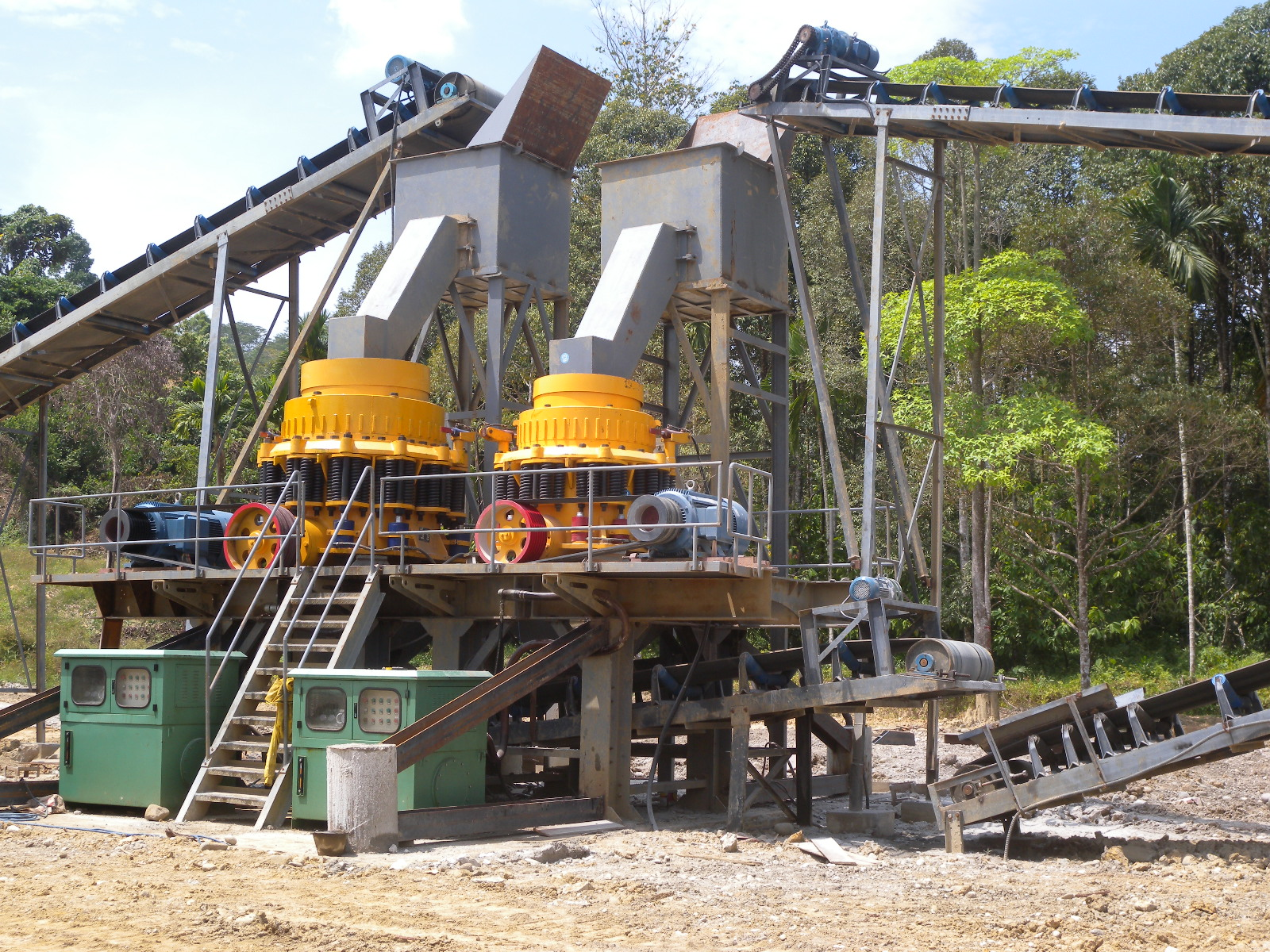 Complete Crushing Plant 200 t/h