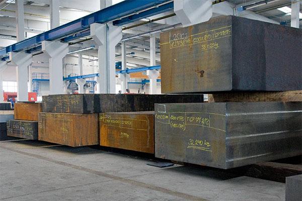 Aceros para herramientas de moldeo y productos hechos a medida