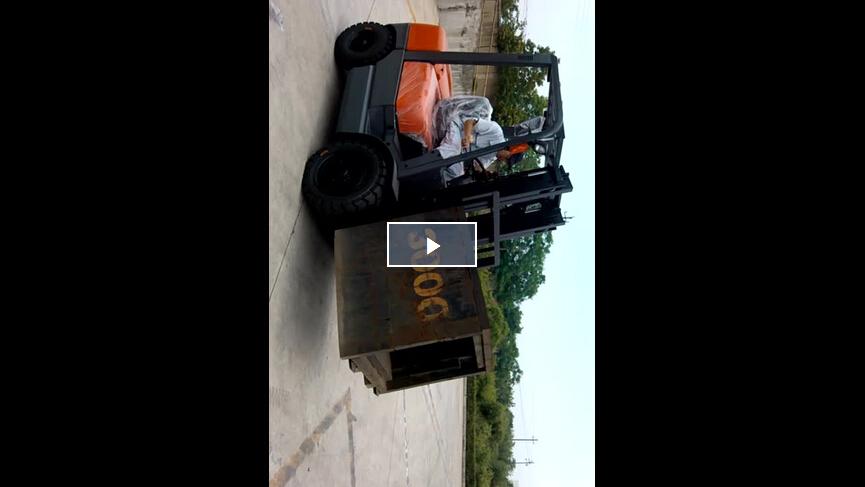 FD30 Lifting Operation