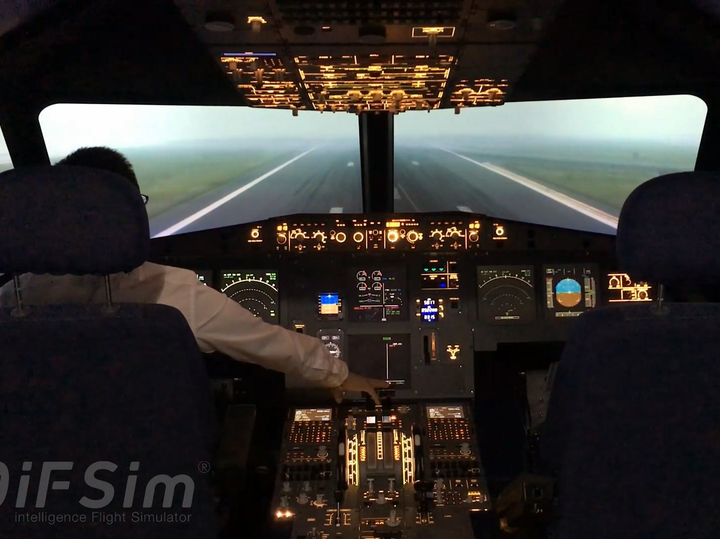 iFSim.A320 foggy take off at Hong Kong International Airport
